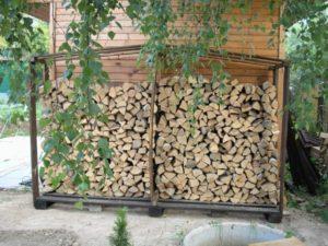 Как построить отдельно стоящий дровник