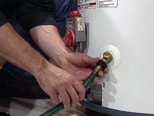 Как слить воду из водонагревателя Аристон на 80 литров?