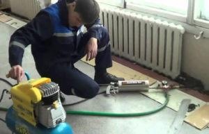 Как делается промывка системы отопления гидропневматическим способом