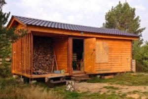 Как можно построить хозблок с дровником и туалетом