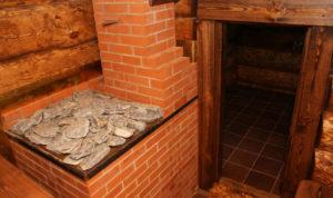 Как возвести печь с закрытой каменкой для бани своими руками