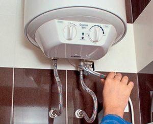 Нужно ли сливать воду из водонагревателя на время простоя?
