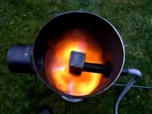Как сделать печь на отработке с наддувом своими руками