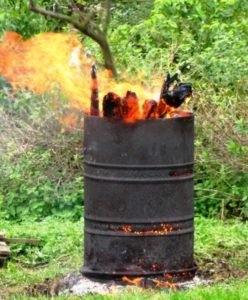 Как сделать уличную печь для сжигания мусора своими руками